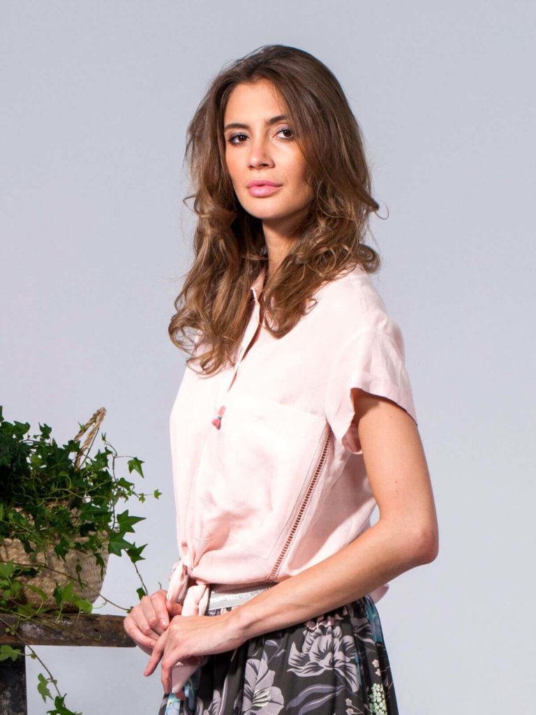 Bluză roz cu inserție decorativă