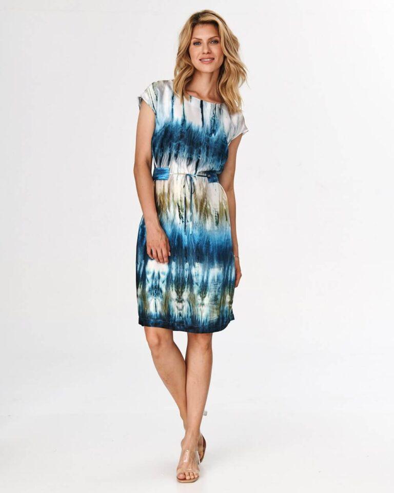 Rochie în nuanțe pastelate de bleu