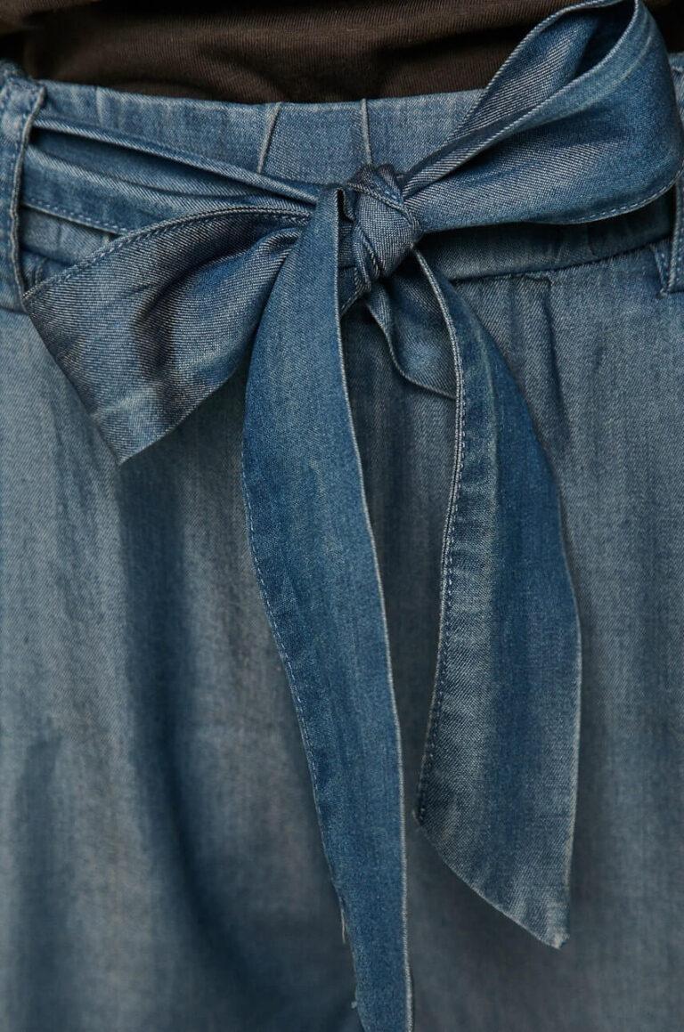 Pantaloni legați în talie cu eșarfă